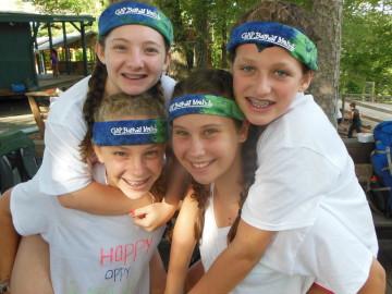 4 tsofim girls in headbands